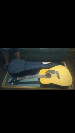Acoustic guitar with case for Sale in Orlando, FL