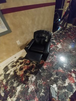 Children recliner for Sale in Baltimore, MD