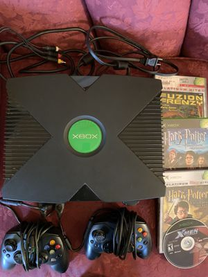 Photo Vintage XBox Original Microsoft Video game Console Tested Bundle 2 Controllers and 4 Games
