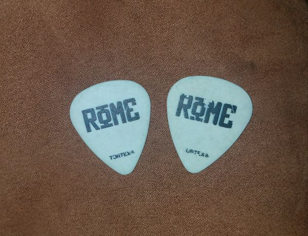rome real concert used guitar picks for sale in san diego ca offerup. Black Bedroom Furniture Sets. Home Design Ideas