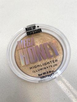 Makeup Obsession Mega Honey Highlighter Thumbnail