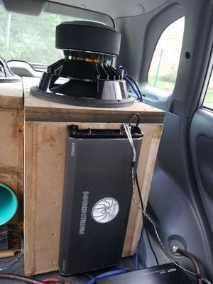 Skar txl 15 subwoofer with tuned boxes 2 choices,and 6000watt soundstream amp for Sale in Manassas, VA