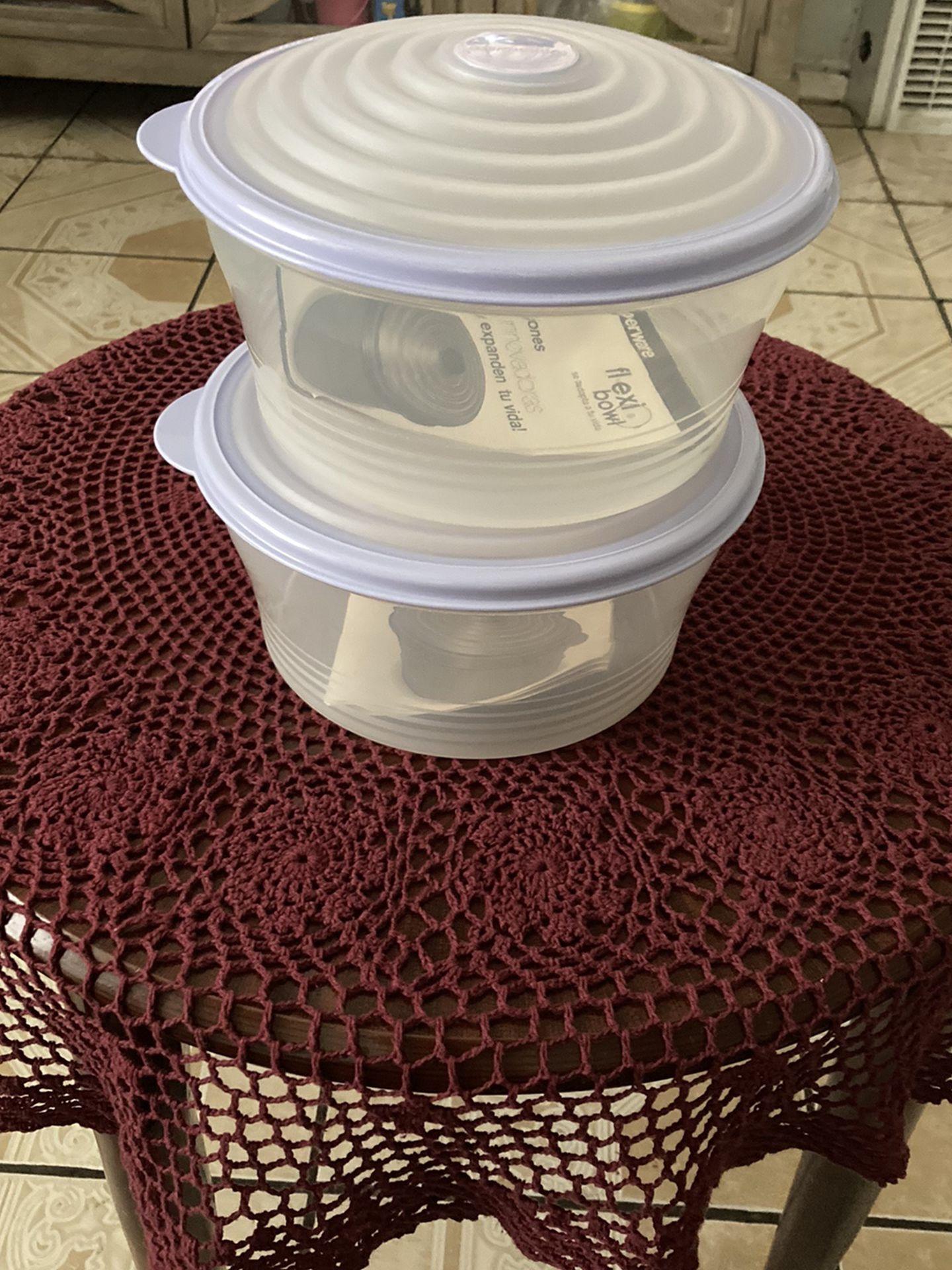 Tupperware Set 2