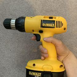 Dewalt 18V Drill + 2 Batteries + Charger Thumbnail