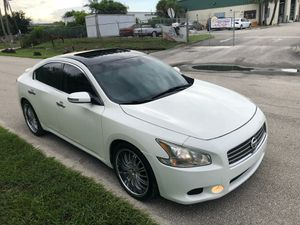 Palm Beach Gardens, FL. Nissan maxima 2011 like new if you want you can come with your mechanic to check