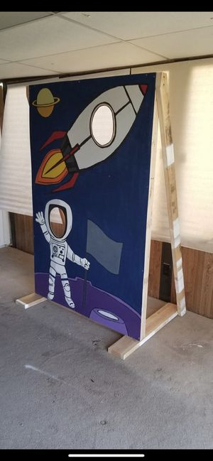Space Themed Face Hole Cut Out with Astronaut and Rocket for Sale in  Orange, CA - OfferUp
