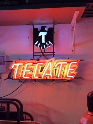 Tecate neón sign for Sale in Kingsburg, CA