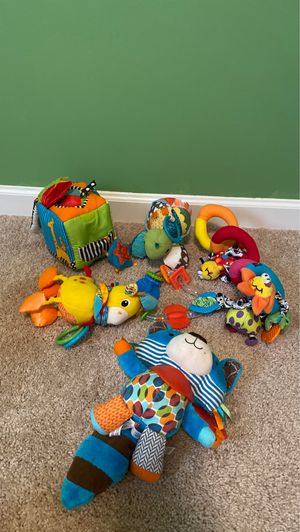 Photo Infant and car seat toys