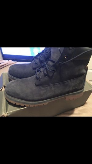 Timberland boots size 7 in great condition color dark blue for Sale in Washington, DC