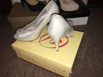 Prom heels/Diamond heels/Silver heels size 6 Thumbnail