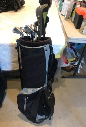 Used good ladies Taylor made clubs W/ used Taylor made case for Sale in North Hollywood, CA