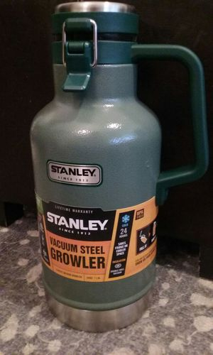 Stanley Vacuum Steel 64oz Growler for Sale in Portland, OR