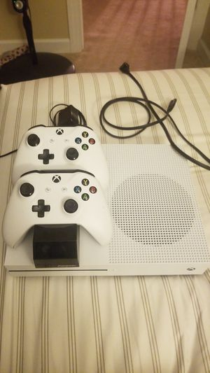 Xbox one s 1tb hard drive, two controllers, and controller dock for Sale in Purcellville, VA