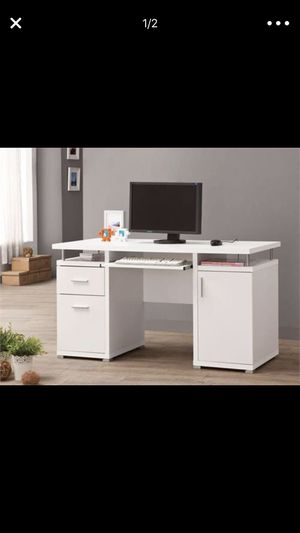 White desk brand new in box delivery available for Sale in Hialeah, FL