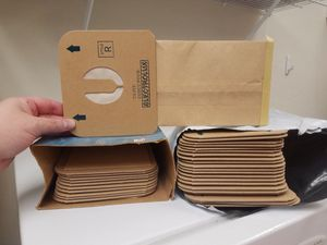 32 Electrolux vacuum cleaner bags - size R for Sale in Laveen Village, AZ