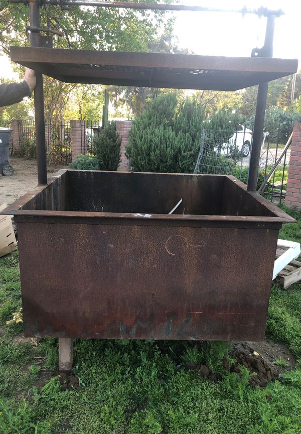Outdoor Grill for Sale in Chowchilla, CA - OfferUp