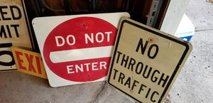 Various metal road signs all in good condition for Sale in Avon, OH