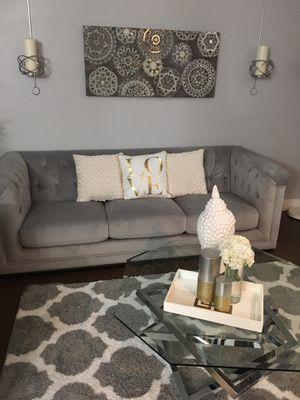 Love seat sofa for Sale in Miami, FL