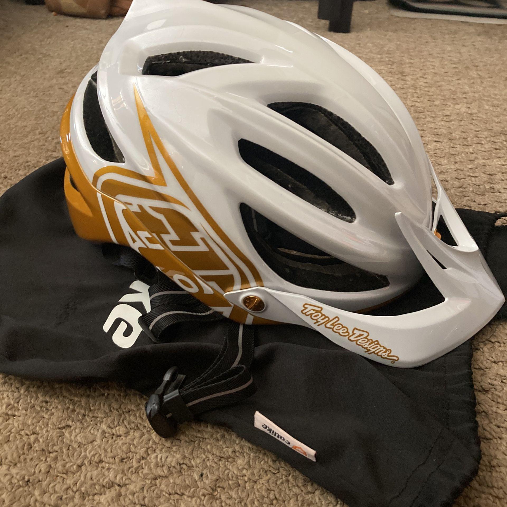 Troy Lee Designs A2 Helmet Like New