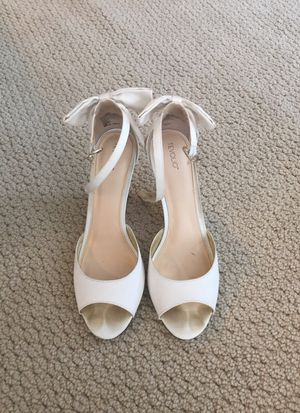 Cute white wedding shoes! Sz 8.5 for Sale in San Diego, CA