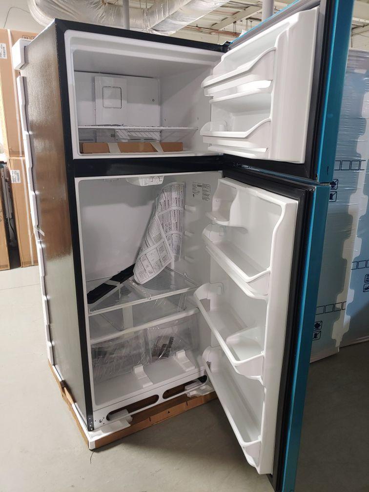 Brand New Frigidaire top mount Freezer Refrigerator with Manufacturers Warranty