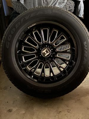 Photo 20' Inch Hostile Rims And Tires 80% Life Left TRADE FOR STOCKS 20' OR 22'CHEVY/GMC