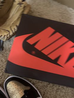 Gold Toe Jordan 1 High DS with box and laces Thumbnail