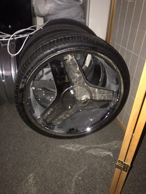 Photo 20inch 4 lugs universal 4x100 n 4x114 has a little curb rash but they all have pretty much new tiers. 800 cash