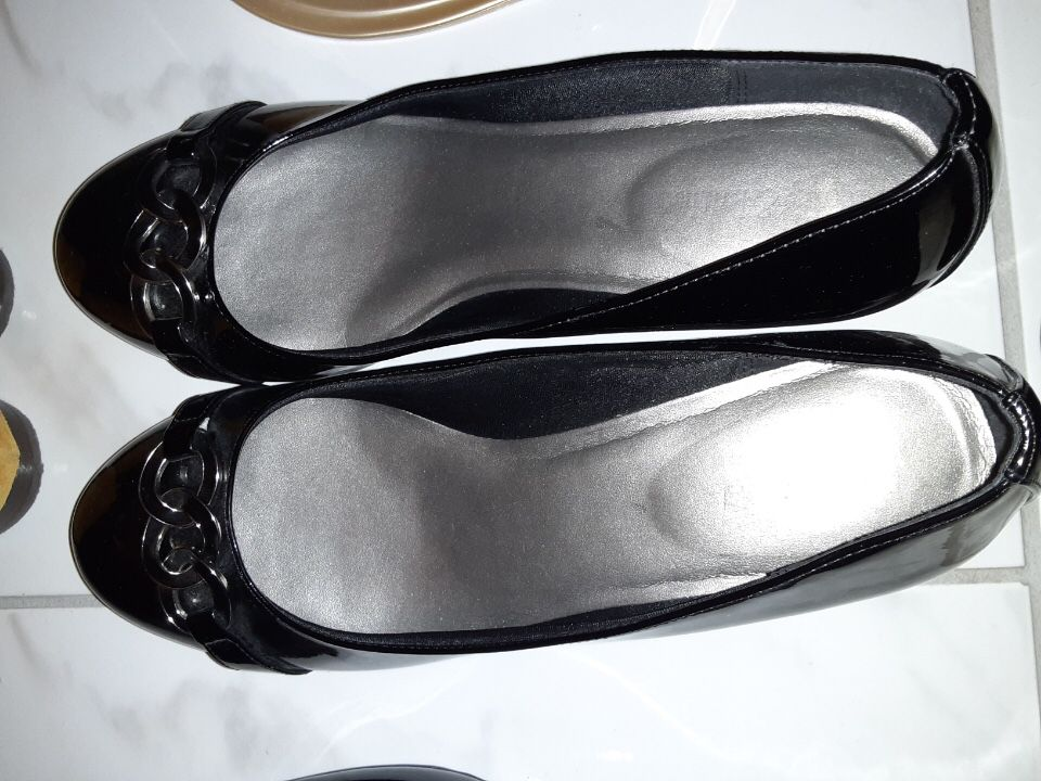 10 pair of shoes size 10 barely used