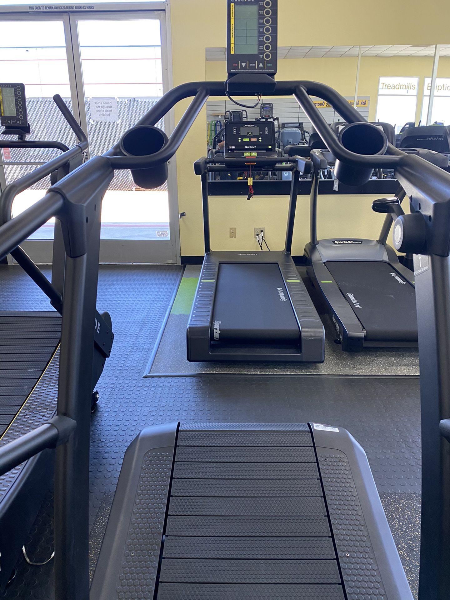 Cascade UltraRunner Curve Treadmill wSled