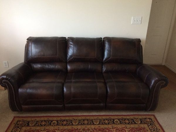 3 Seater Recliner Leather Sofa Furniture In Irving Tx Offerup