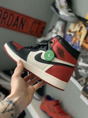 "Photo Jordan Retro 1 ""Bred Toe"" Size 13"