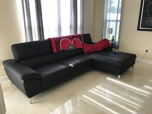 Modern Black leather sofa with chaise for Sale in Miami, FL