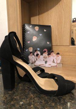 Black heels Thumbnail