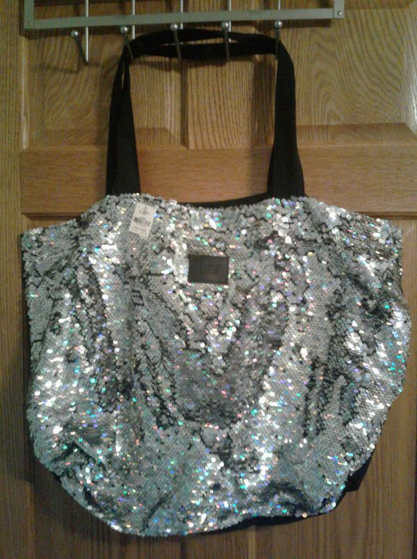6cf7eb4948ab NWT VS sequin tote bag for Sale in Berlin Charter Township