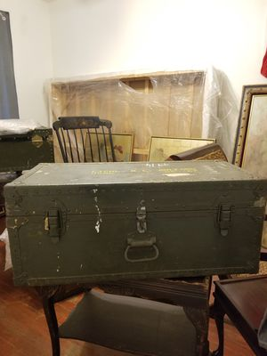 Vintage 1946 us army chest Trunk for Sale in Forest Heights, MD