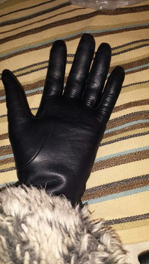 Lord Taylor 100% Cashmere Lined Genuine Leather for Sale in Fairfax, VA