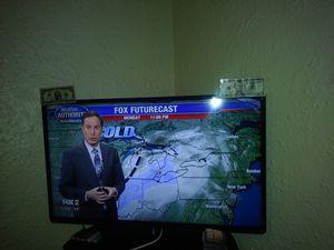 32inch LG hd flat screen for Sale in Detroit, MI