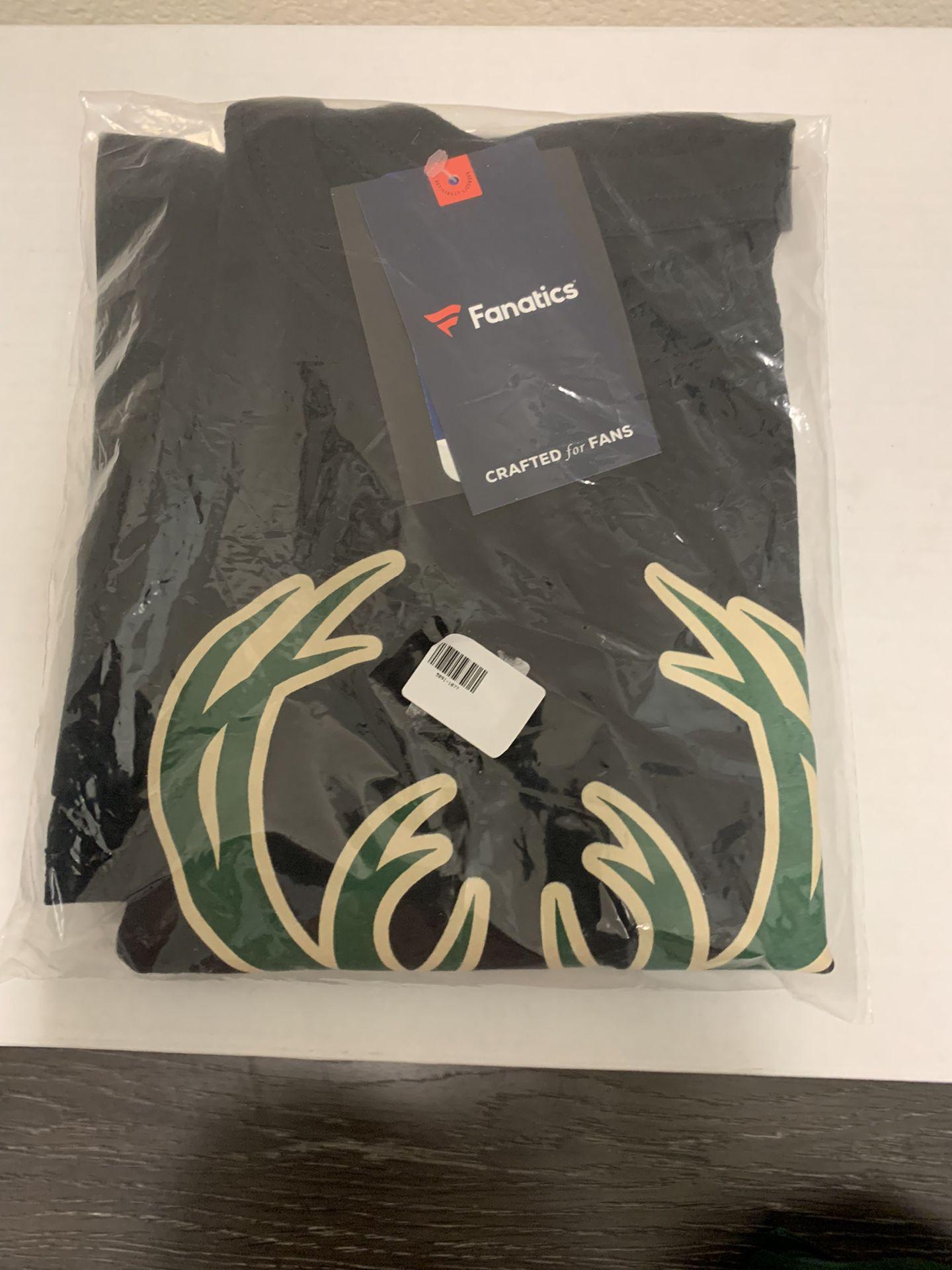 Milwaukee Bucks - T-Shirt & Cap - Set - (New)