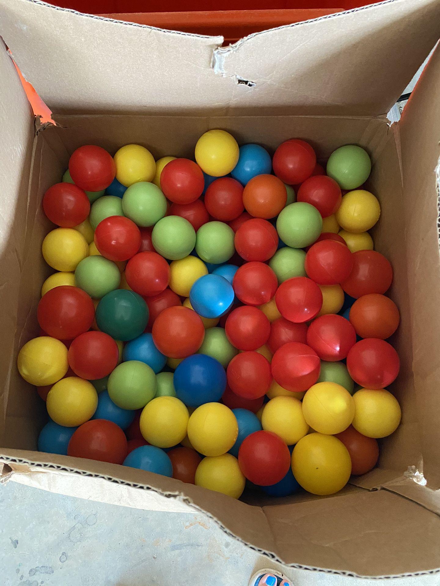 Play balls (100)