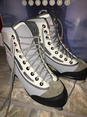 SIZE 4 PRO ICE SKATES for Sale in Washington, DC