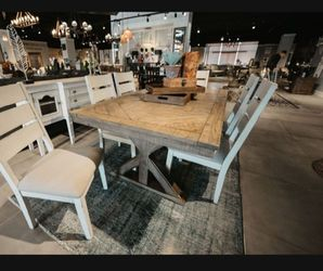 Grindleburg Light Brown Rectangular Dining Room Set (Dining table and Chairs Thumbnail