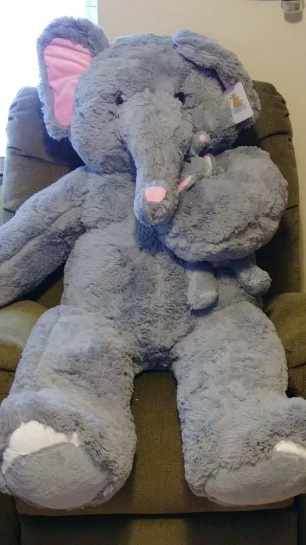 Nwt Giant Stuffed Elephant With Baby For Sale In Seminole Fl Offerup