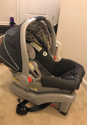 Car seat with base for Sale in Brambleton, VA