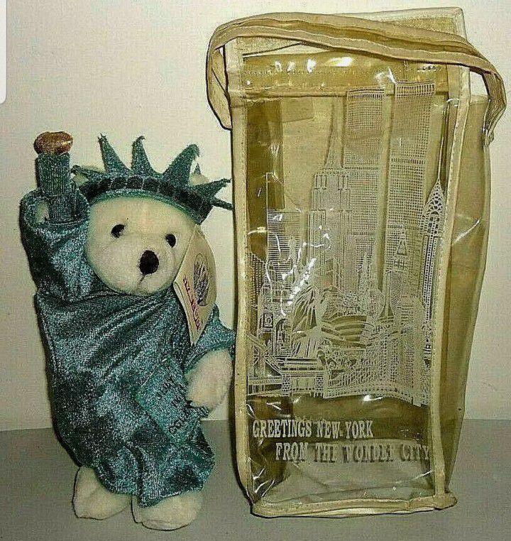NY TEDDY BEAR J. Fan 1997, White Plush, New York, Statue of Liberty, Twin Towers