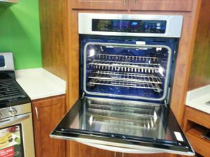 Stove and oven for Sale in Hyattsville, MD