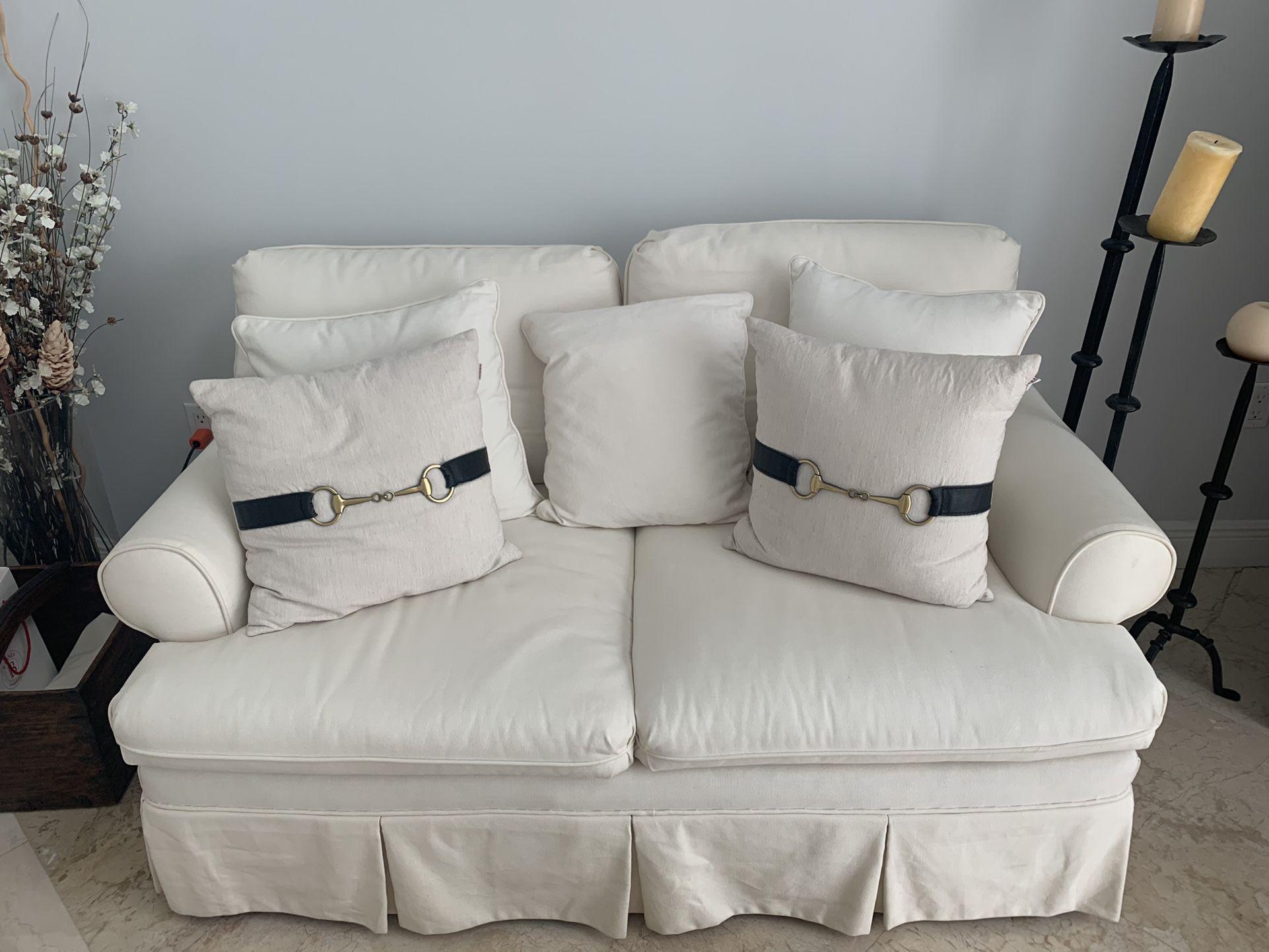 White Fabric Love Seat *BONUS TV*