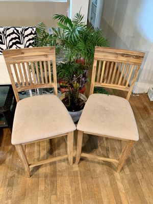 """Photo Pick up today super sturdy composite wood set of 25"""" high bar stools only $90 for both! XL comfortable seat area,"""