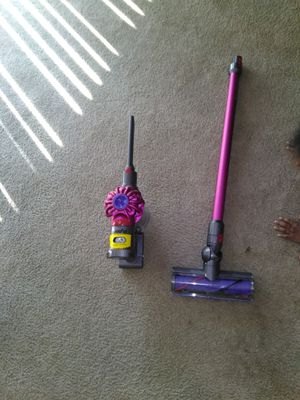 Dyson cordless vacuum for Sale in Germantown, MD