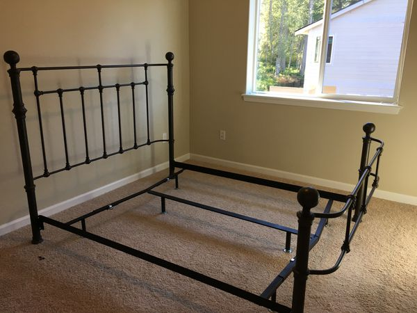 Pottery Barn Mendocino Queen Bed For Sale In Olympia Wa